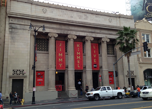 Exterior de El Capitan Theatre en Hollywood Boulevard